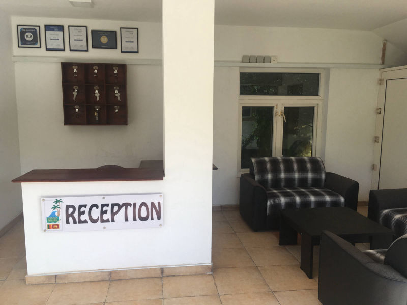 Reception und Lobby Raja Beach Hotel
